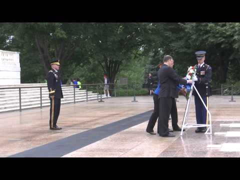 Sophomore Class of 114th Congress at Arlington National Cemetery