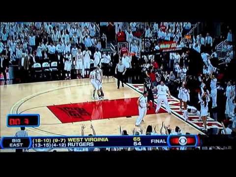 Louisville male cheerleader given technical foul; Rick Pitino speaks out