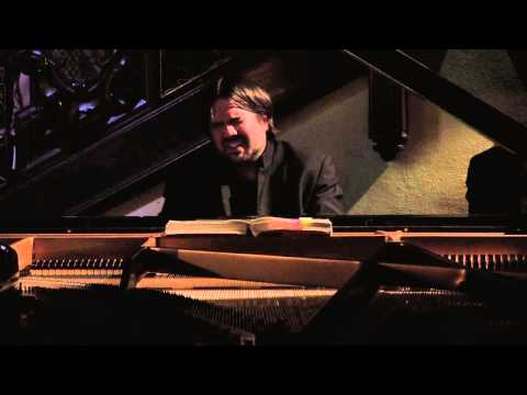 Davide Cabassi plays Mozart