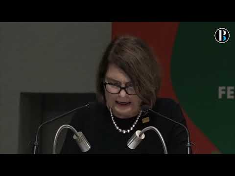 La escritora española Clara Usón es galardonada con el Premio Sor Juana en Guadalajara