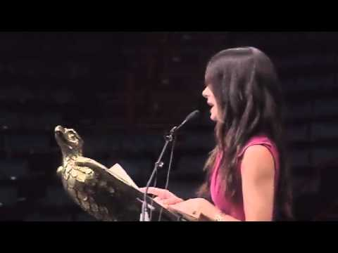 Sandra Bullock 's Unexpected  Inspiring Speech To High School Graduates