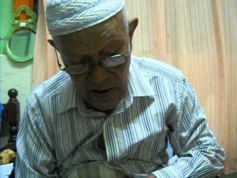 imam berusia 93 menyanyikan nasyid ciptaan nya sendiri...(solawat bulan purnama.) part 2