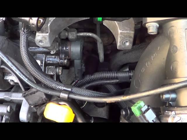 Фото к видео: замена регулятора давления топлива 2.2HDI