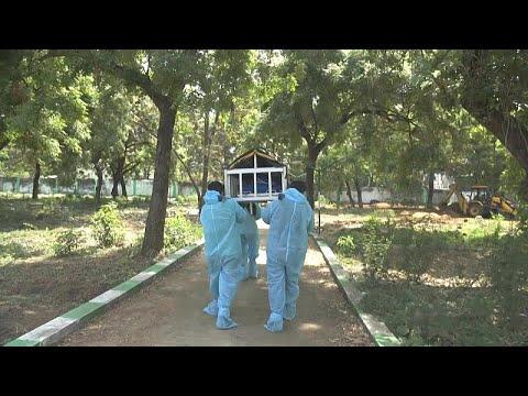 شاهد: مسلمون وهندوس ومسيحيون يتكاتفون لدفن جثث ضحايا كوفيد-19 في الهند…  - نشر قبل 12 ساعة