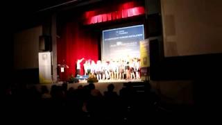 Chór ze Szkoły Podstawowej nr 2 w Trzebnicy podczas Gali 8 Wpaniałych