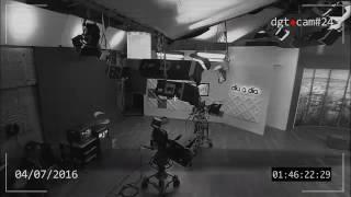 Камера наблюдения сняла призрак, гуляющий ночью по телестудии