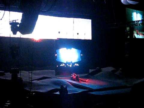 Glow In The Dark Kanye Performance