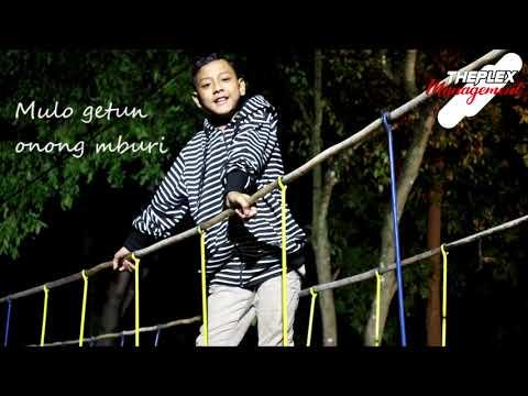 daeren-okta---bengkung-(official-lyric)