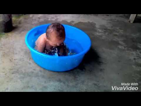 Pani wala dance by little boy