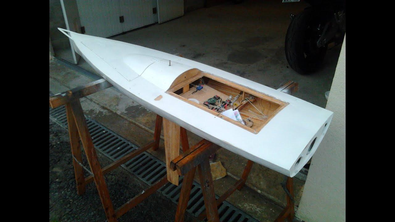 Construction voilier RC le PRB Open 60 IMOCA .2eme partie.Building a sailboat - YouTube