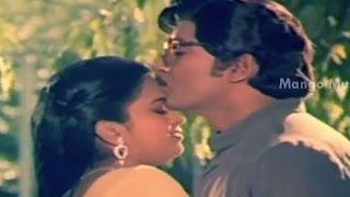 Abhimanyudu Movie Songs - Suryudu Chustunnadu Song - Shoban Babu, Vijaya Shanthi, Radhika