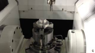 Вертикально фрезерный обрабатывающий центр FEELER (Тайвань) модели SV 350 5AX с роботом