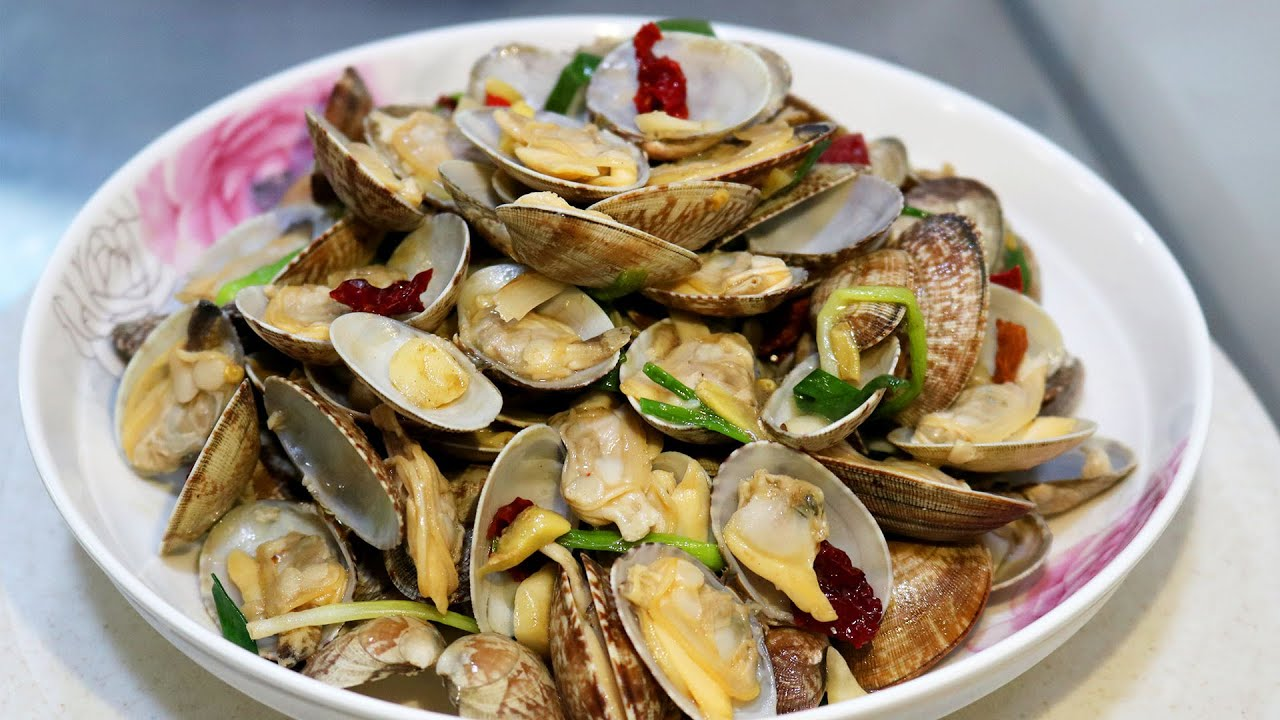 爆炒花甲,花蛤怎么吃?这种简单又快的做法鲜嫩味美,在家做的放开吃也不用担心吃到沙子了