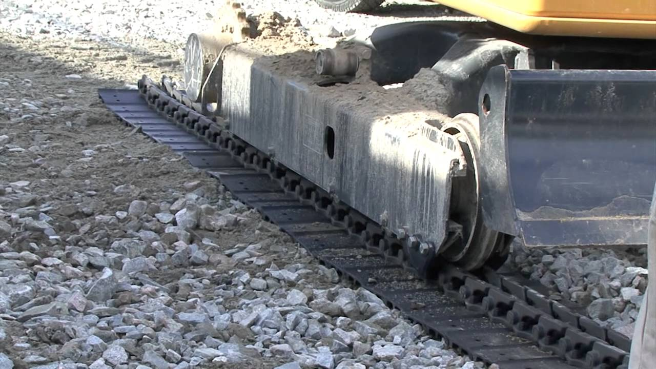 Excavator Track Installation Youtube