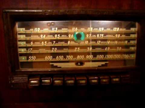 1939 Silvertone 6439 - YouTube