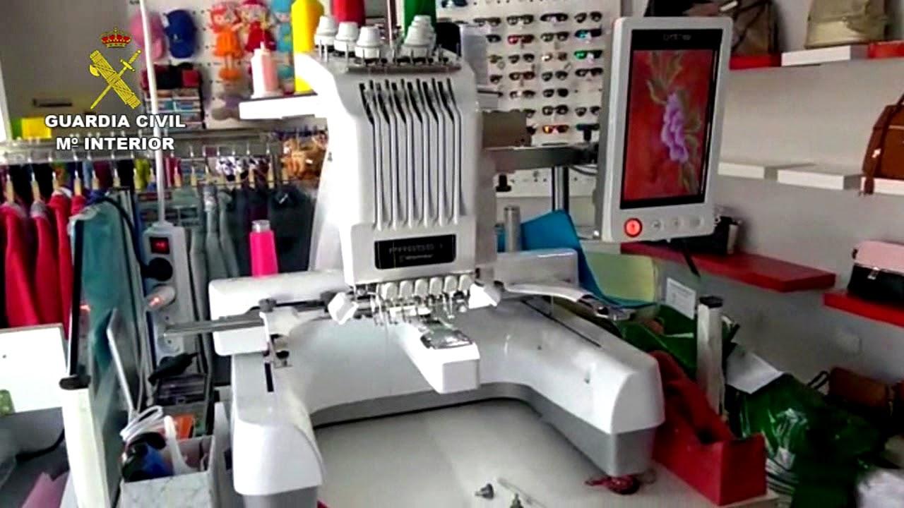 Detenidos con una máquina de bordado para falsificar ropa en Fuerteventura a8df75206133e