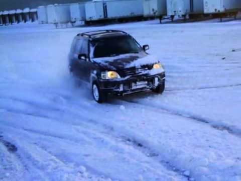 Honda Cr V Awd 1999 5 Speeds Snow Drift And Donuts 2 Youtube