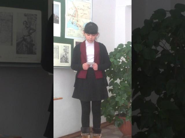 Изображение предпросмотра прочтения – ДаринаКим читает произведение «Тучкины штучки» В.В.Маяковского