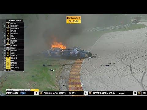 Feuer-Unfall im Sportwagen-Rennen
