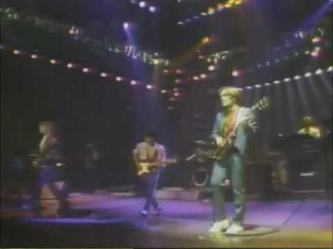 Hall & Oates - Intro/Family Man (Live 1983)