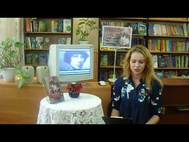 Изображение предпросмотра прочтения – ДинаМакарова читает произведение «Мне нравится, что Вы больны не мной...» М.И.Цветаевой