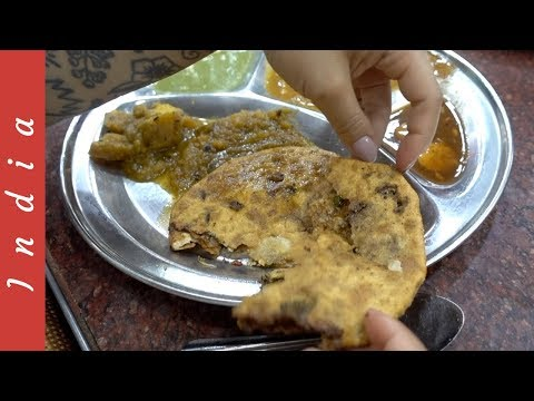 DELHI PARATHA STREET FOOD PARTY! Shop & Eat at Chandni Market, India