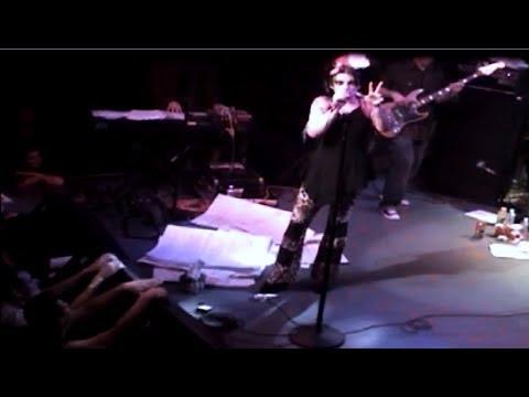 Nina Hagen - Born In Xixax LIVE @ DNA LOUNGE 2005 + 'Lyrics On Screen'