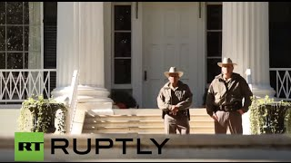 USA: Pro-refugee protesters march on Texas Gov. Abbot's mansion