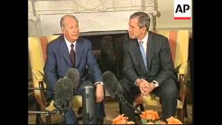 US President Bush is meets the president of Chile