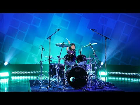 Robin Jones - Dave Grohl: Supporting the Future Drummers of the World