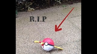RIP PIKACHU POKEMON GO POKEBALL STOP MOTION PAPERCRAFT - SCOUZY