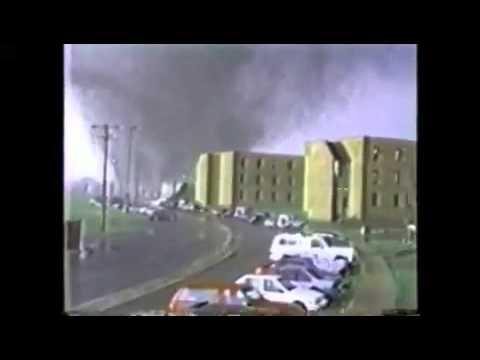 Top 10 tornades dans le monde