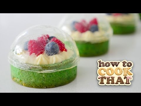 SUGAR SNOW GLOBE DESSERT WITH CRISP DOME 🎄 😍 How To Cook That Ann Reardon