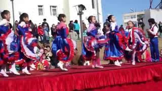 2016 03 13 Mongolia dance   Танец школьников Кан-Кан ( dance Cancan )