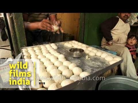 Preparing Chole bhature at a shop in Chandni Chowk, Old Delhi