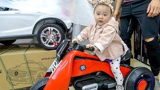 생애 첫 장난감 매장을 간 14개월 아기의 반응