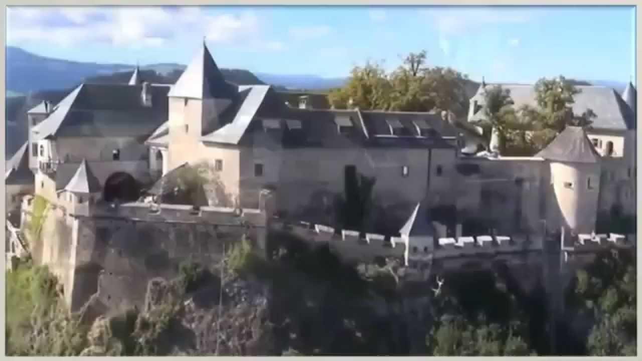 Австрия. Замок Гохостервиц. Туризм, отдых и путешествия.
