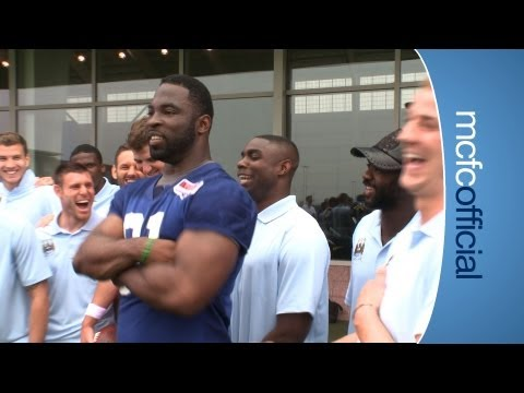 CITY ON TOUR: Micah Richards meets Justin Tuck of the NY Giants