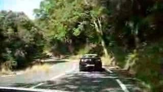 Autoilua Italian vuoristotiellä