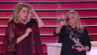 GLOBES DE CRISTAL : Catherine Deneuve et Véronique Sanson