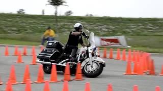 Полицейское обучение вождению на мотоцикле)
