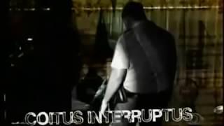 Repeat youtube video Casal transndo no carro é pego no flagra pela polícia - reportagem completa