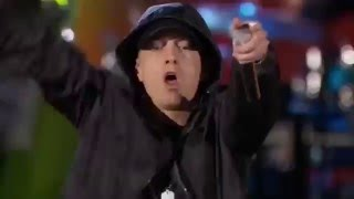 Eminem feat Rihanna - the monster ( live at Washington DC )