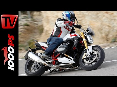 the real deal 2015 bmw r1200r akrapovic exhaust comparison doovi. Black Bedroom Furniture Sets. Home Design Ideas