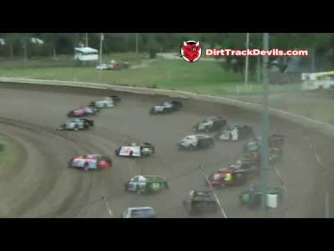 Belleville 100 First Lap 3 Wide