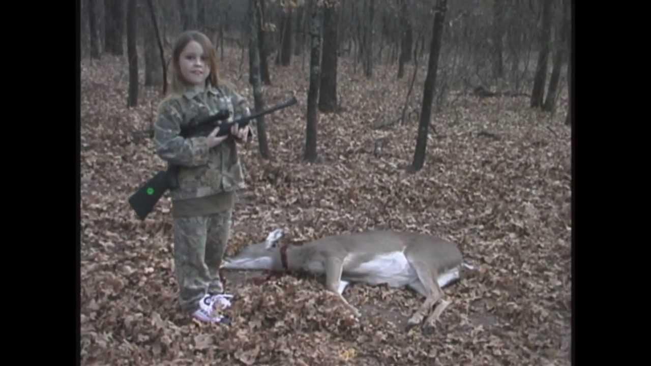 girl showing deer toplesd