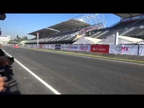 Sergio p rez en el aut dromo hermanos rodr guez youtube for Puerta 5 autodromo hermanos rodriguez