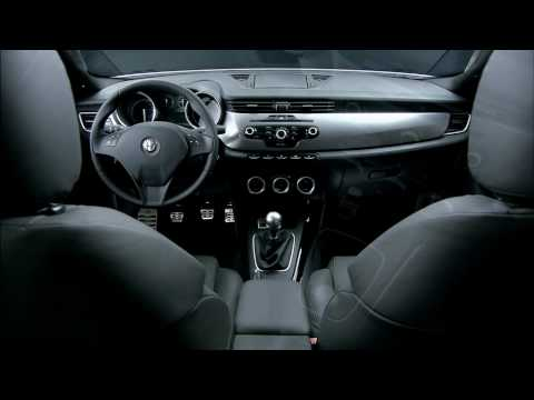 Alfa Giulietta Interior - YouTube