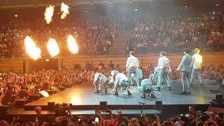 KBS Music Bank Berlin - Wanna One (워너원) - Burn It Up (활할) - Side View Fancam