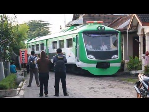 [WIU WIU WIU!!!] | Warga Pengok kaget melihat Kereta Inspeksi Baru menggunakan Sirine